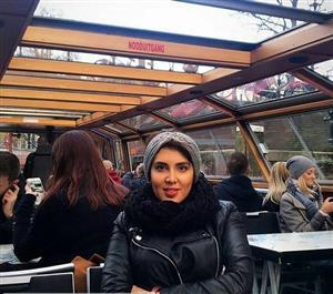 تیپ خانم بازیگر در کافه ای در ایتالیا/عکس